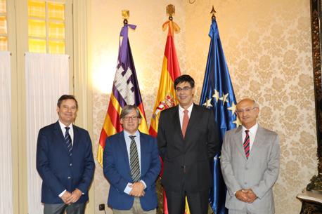Audiencia de los síndicos en el Parlamento de las Illes Balears